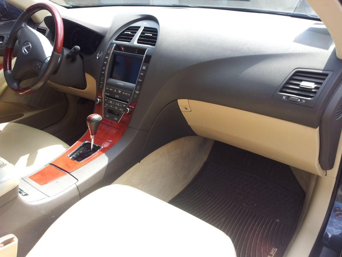 Авто Lexus, панель