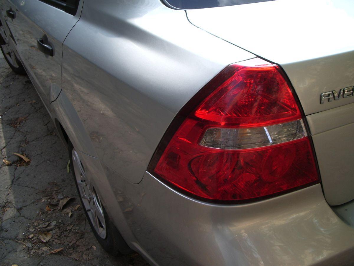 Авто Chevrolet, задняя фара