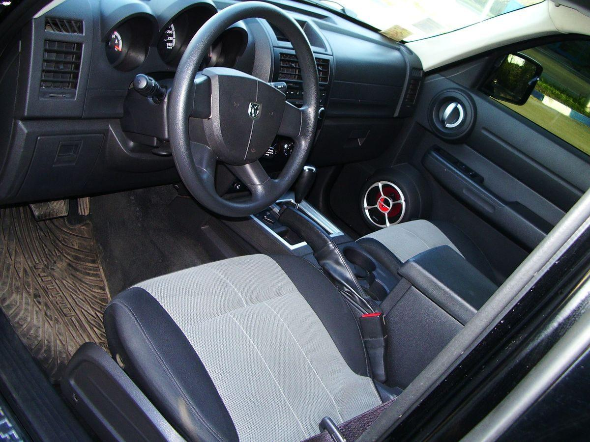 Авто Dodge, салон, руль