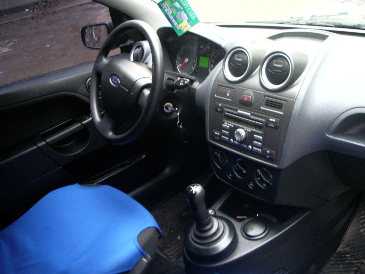 Авто Ford, салон