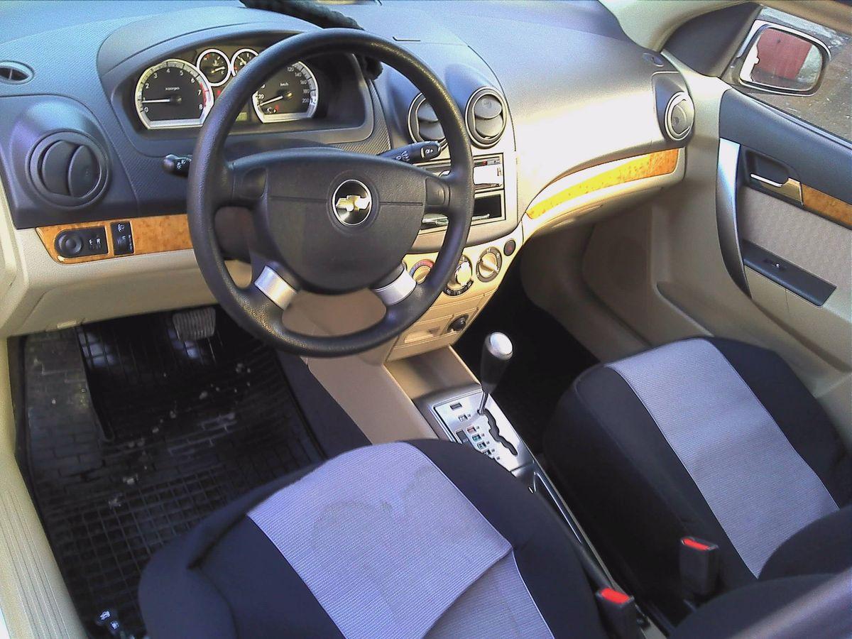 Машина, Chevrolet Aveo, салон внутри