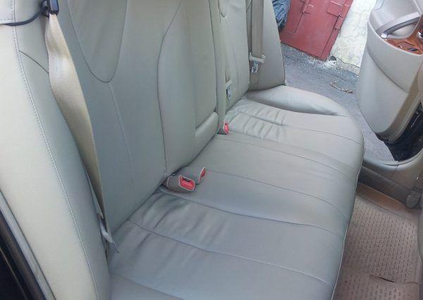 Авто Toyota Camry, внутри салона