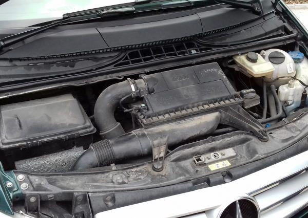 Авто Mercedes, под капотом